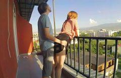 الجنس على الشرفة مع سيدتي الجديدة