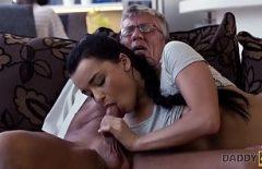 قزم مجنون يمارس الجنس مثل مجنون مثل أنها تحب أفضل