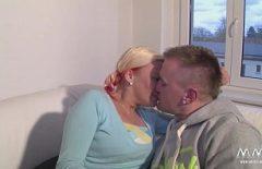 هواة زوجين الألمانية يمارس الجنس في شقة مستأجرة