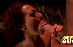 ساندرا رومان تمتصها جيدًا ثم تشرب كل نائب الرئيس