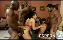 ساندرا رومان تمارس الجنس مع العديد من السود مع ديوك كبيرة صلبة