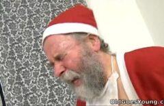 كس وخالة مارس الجنس مع سانتا كلوز